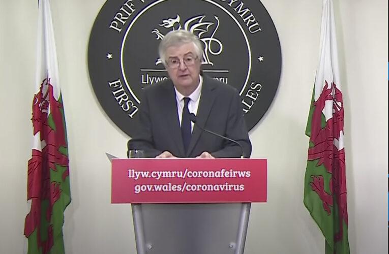 El bloqueo nacional contra el coronavirus se introducirá en Gales el viernes
