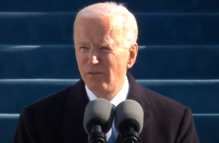 En su primer día de gobierno, Biden revierte políticas de Trump