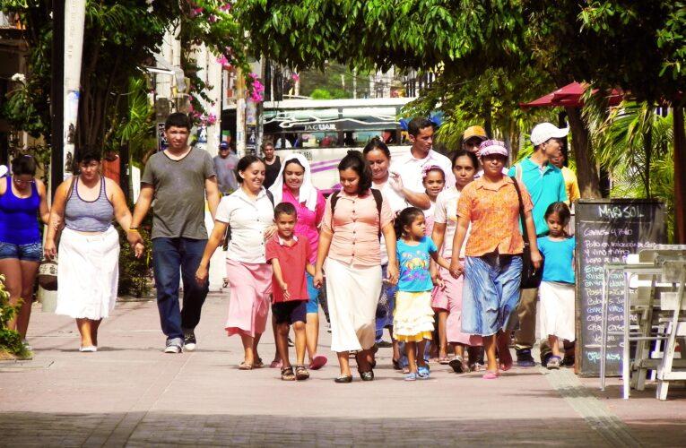 Alimentación, vivienda y salud son las principales problemáticas de migrantes venezolanos, revela estudio