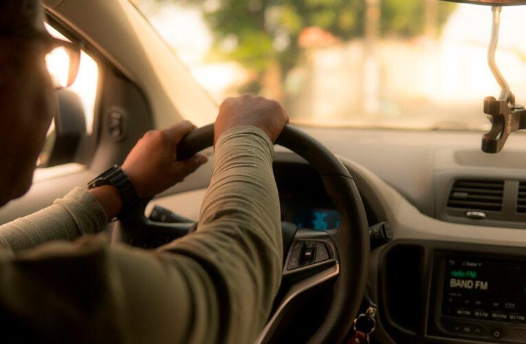Uber dará trato de trabajadores a sus 70 mil conductores
