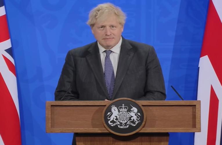 El gobierno de Boris Johnson busca potenciar la búsqueda de tratamientos caseros contra el Covid-19