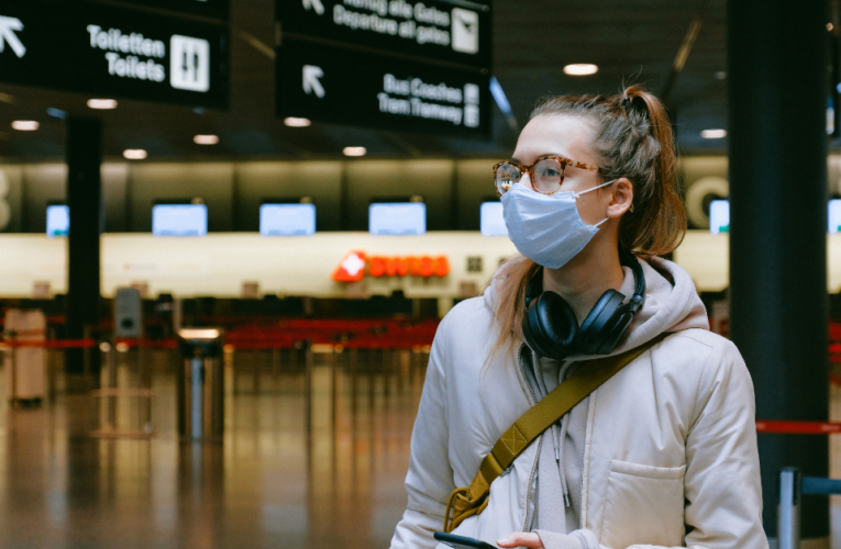 Los británicos vacunados contra el Covid-19 podrán viajar a los países de la UE