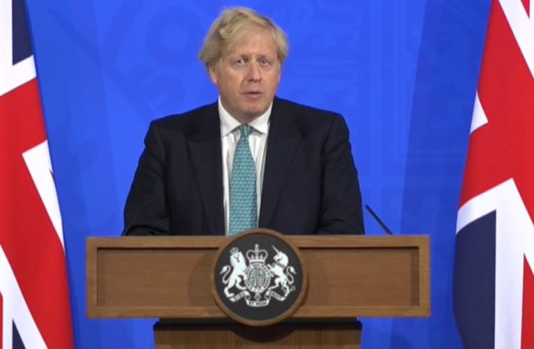 Variante india del coronavirus podría cambiar los planes de Boris Johnson