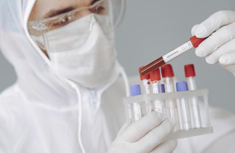 Aumentan los casos de la variante india del coronavirus en el Reino Unido