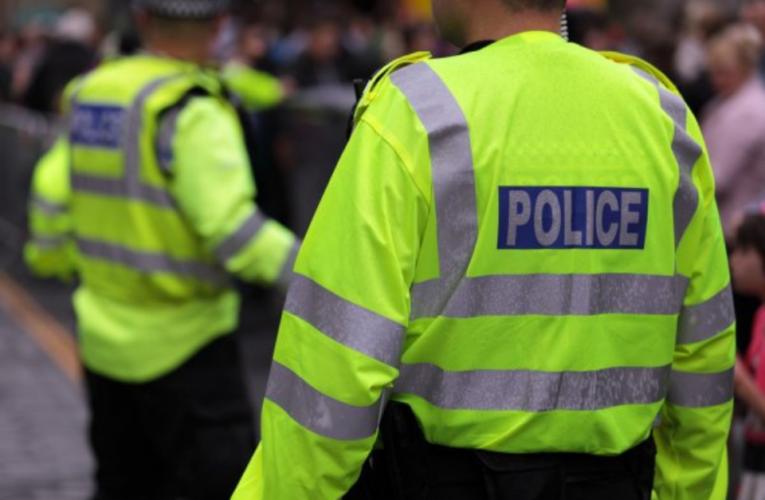 10 mil policías vigilarán que los viajeros cumplan con la cuarentena