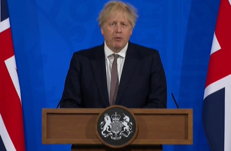 Boris Johnson anunció que las normas Covid-19 se flexibilizarán en Inglaterra a partir del 17 de mayo