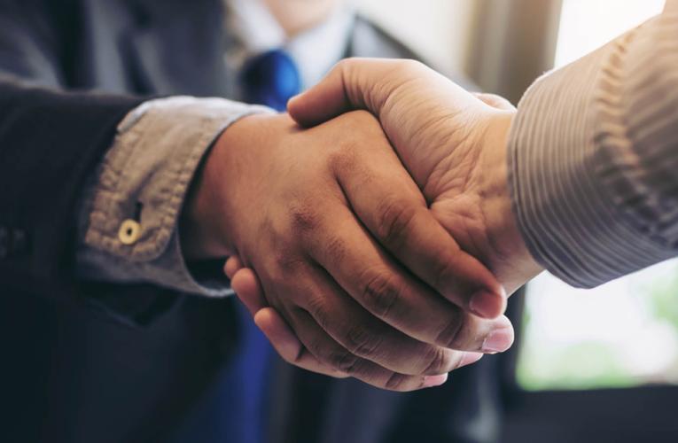 Se logra acuerdo de libre comercio entre británicos y australianos