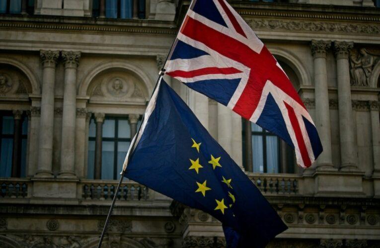 Intentan destrabar negociaciones del post brexit, afectadas por tensión entre el Reino Unido y la Unión Europea sobre Irlanda del Norte