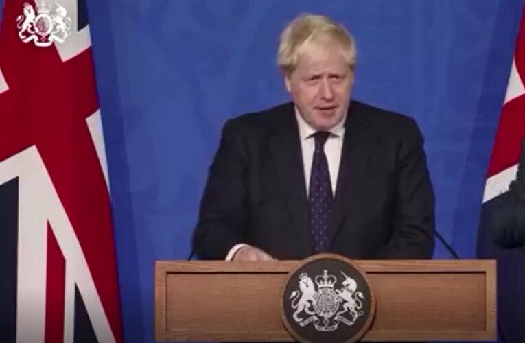 Boris Johnson establece un plan para enfrentar a Covid durante el invierno