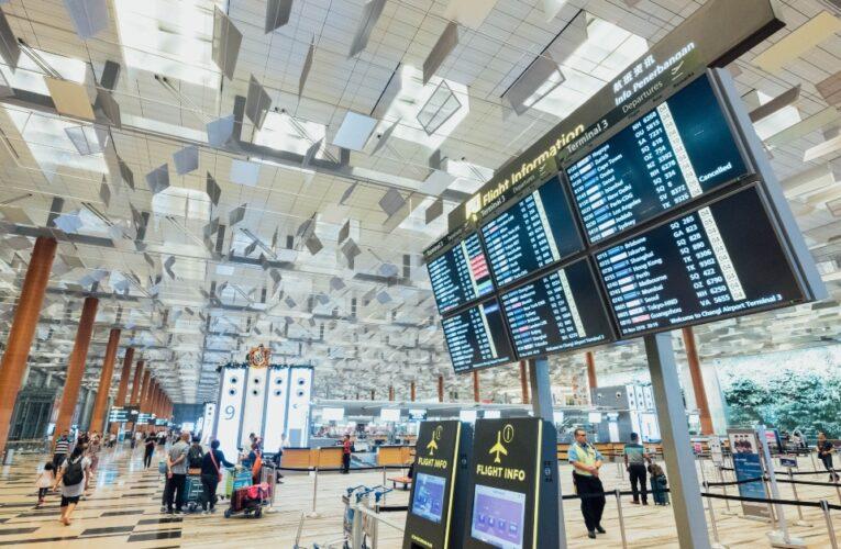 Las reglas para los viajes internacionales a Inglaterra cambiarán el 4 de octubre de 2021